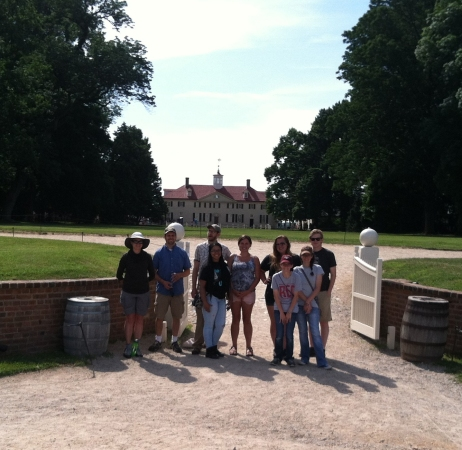 W3 Touristy pic at Mt Vernon